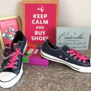 Converse sneakers blue with pink accents